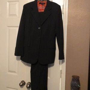 Anne Klein 2 piece suit